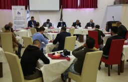 "Press House organizes a dialogue session on the topic of ""Role of Journalists in Preparing Positive Atmosphere for General Elections Success"" in partnership with Central Elections Commission south of Gaza strip"