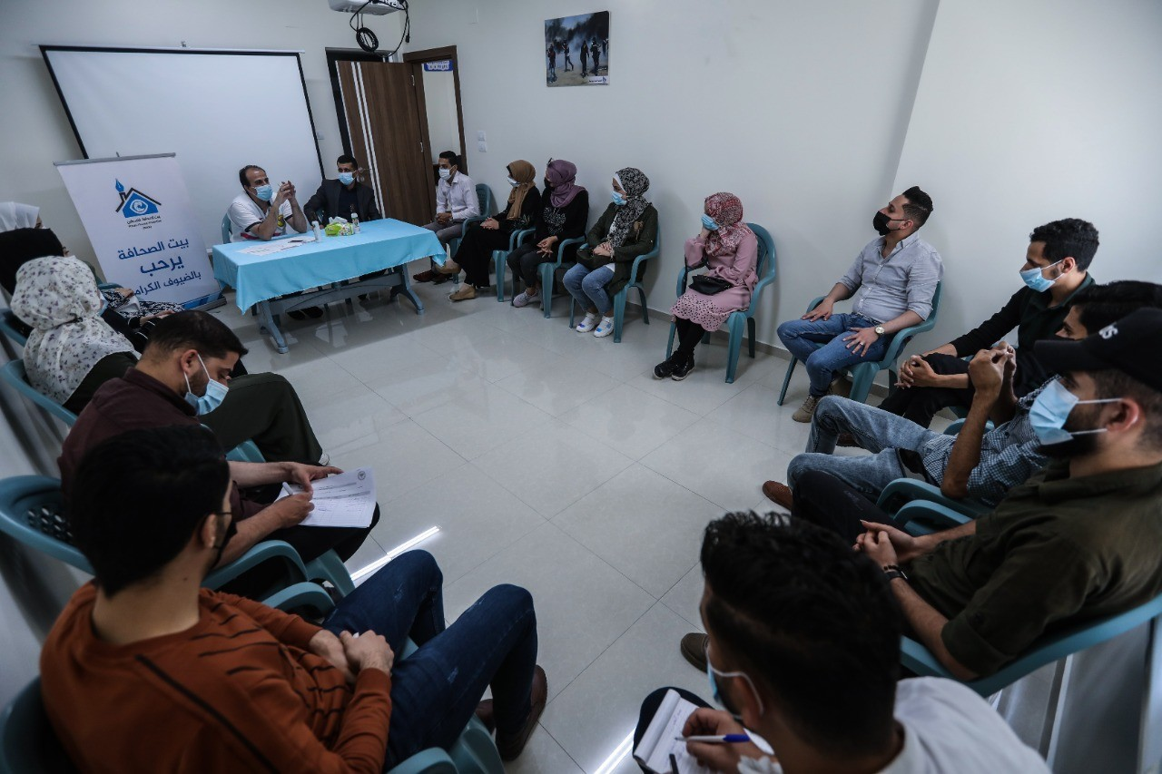Press House holds an awareness workshop in collaboration with Palestinian Medical Relief Society