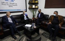 The General Secretary of the Palestinian National Initiative Movement visits Press House