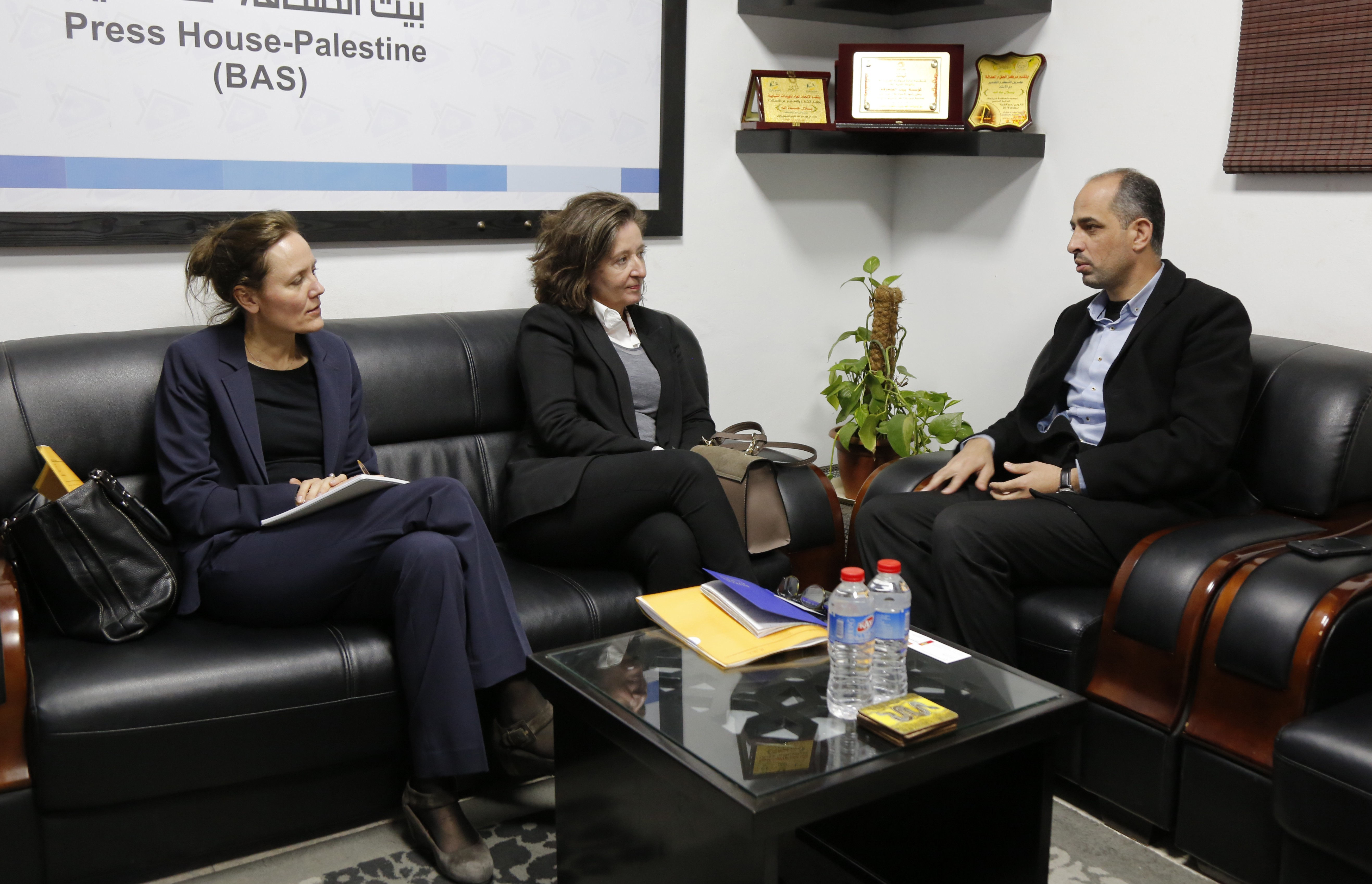The Danish Consul General and the Deputy Consul visit the Press House