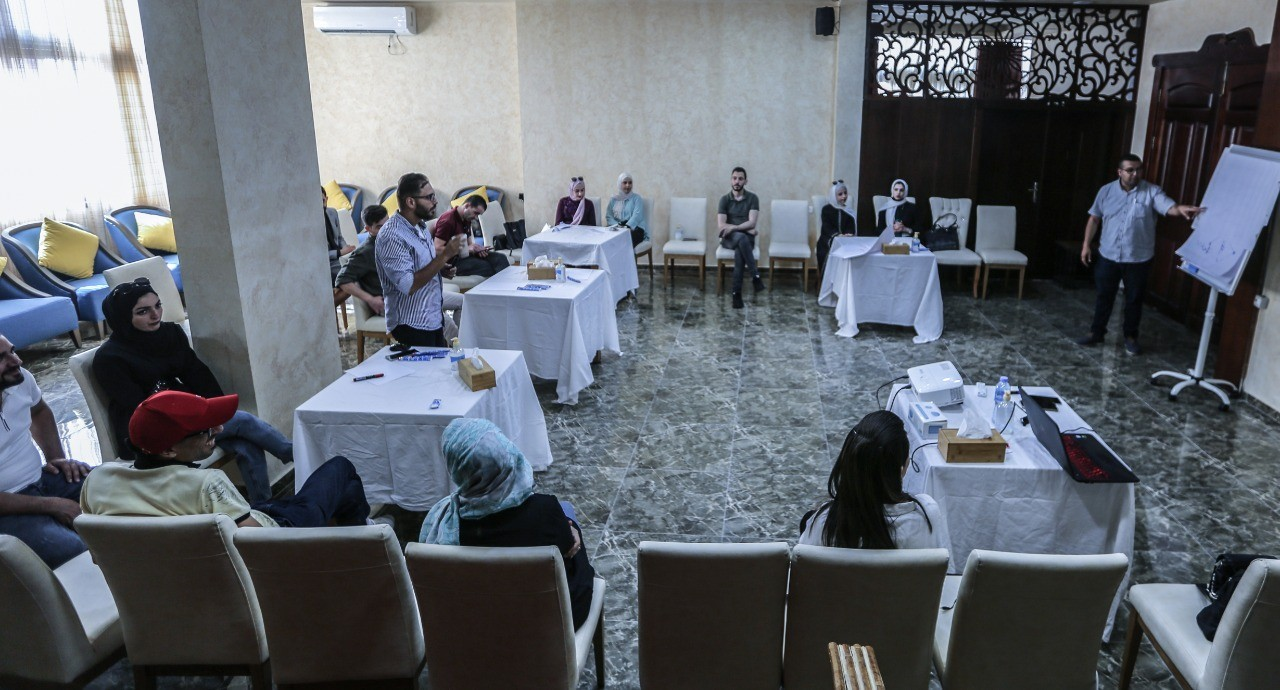 """In collaboration with Press House, An-Najah Media Center holds a workshop on """"Occupational Safety Procedures for Journalists"""""""