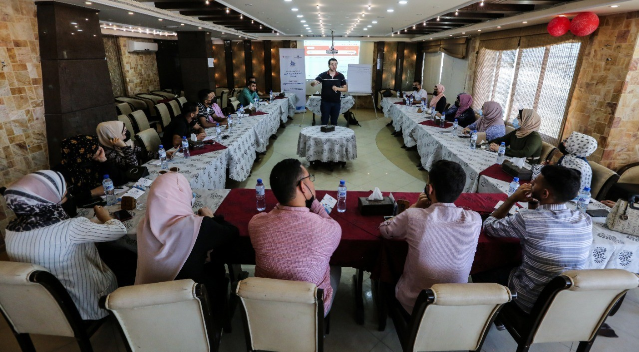 """Press House holds two workshops on """"Digital Media and Outsourcing"""""""